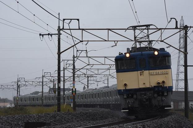 E235系配給