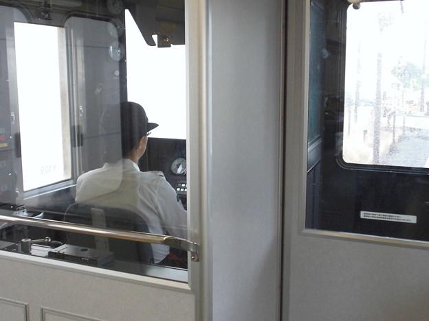 女性運転士
