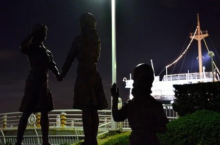 日米友好ガールスカウトの像