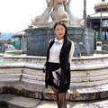 写真: You in front of the fountain