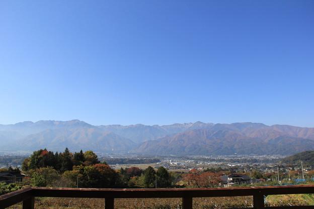 ふるさとの丘から見た中央アルプスと駒ヶ根市街