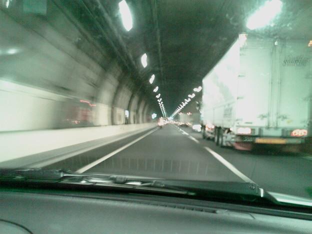 写真: 新宿から渋谷(池尻)に向かう地下高速