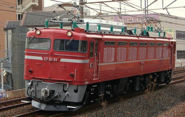 EF81-81号機試単8938レ