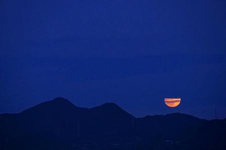 中秋の名月の翌日のお月さま