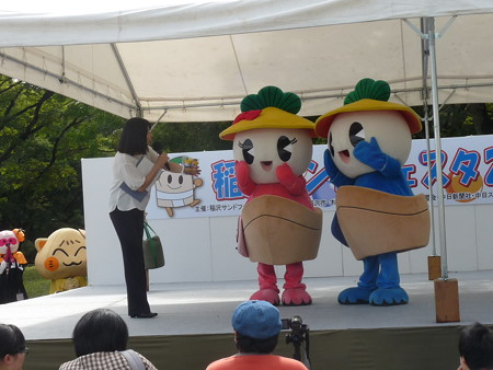 10/7(土) 稲沢サンドフェスタにご当地キャラクター大集合でいなッピー音頭とか。