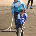 写真: 石垣選手(後ろ)。