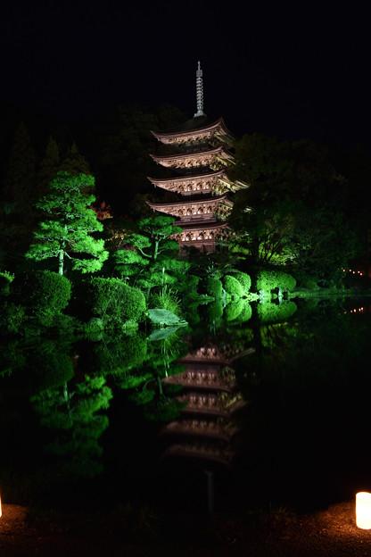 夜の五重塔 2