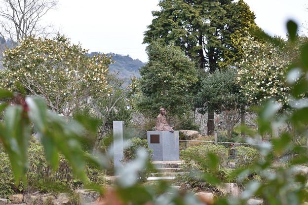 谷玉仙尼銅像