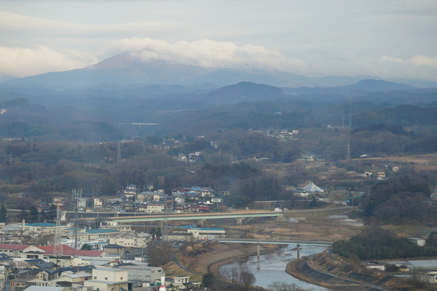 Photos: 阿武隈川と鎌倉岳