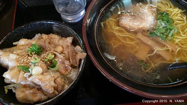 特上豚丼ラーメンセット
