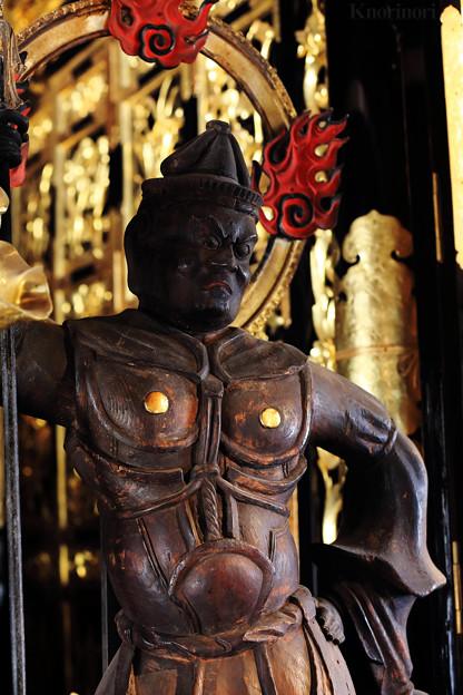 脇侍 毘沙門天立像