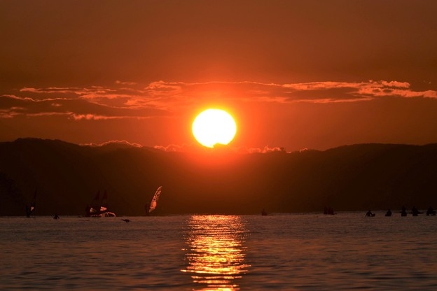写真: 初日の出~片瀬東浜