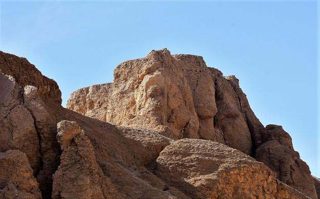 王家の谷付近の岩山2)