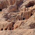 写真: どこかに王家の岩窟墓が・・3)