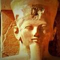 王の立像2)