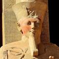 王の立像3)