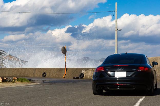 波飛沫と愛車