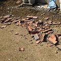 Photos: 地震で落ちた瓦
