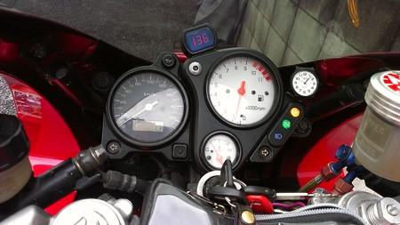 20141102VTR1000Fメーター球交換 (7)