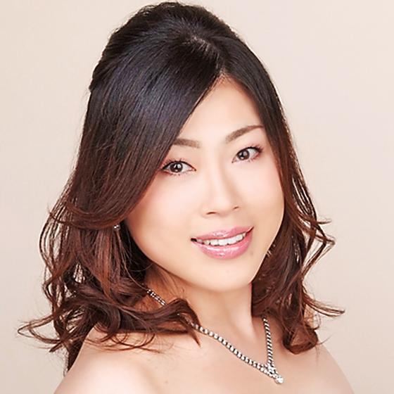 写真: 白石優子 しらいしゆうこ 声楽家 オペラ歌手 ソプラノ     Yuko Shiraishi