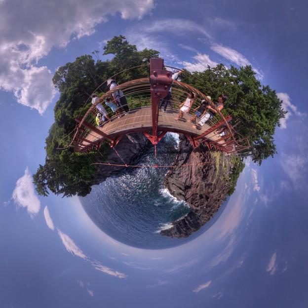 Photos: 城ヶ崎海岸 門脇吊橋 Little Planet