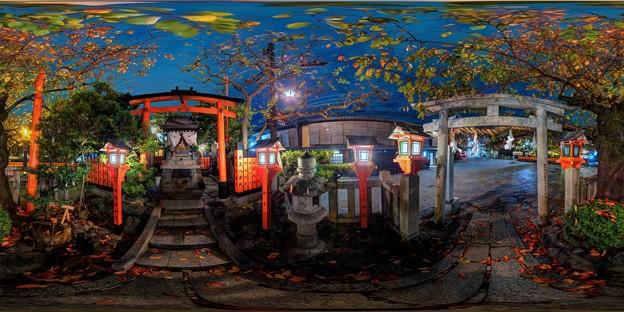 写真: 京都 祇園白川 辰巳大明神 夜景 360度パノラマ写真