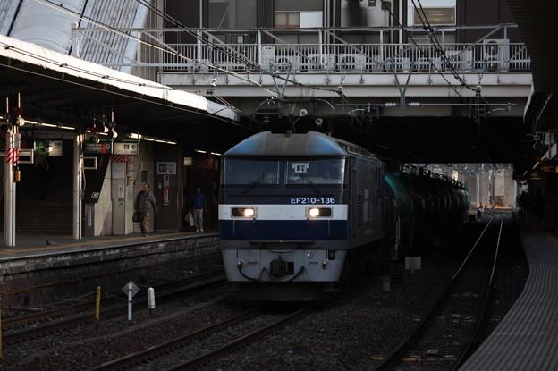 5883レ EF210-136牽引 (3)