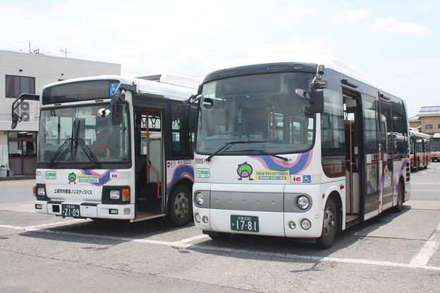 東武バス 5023号車・9951号車