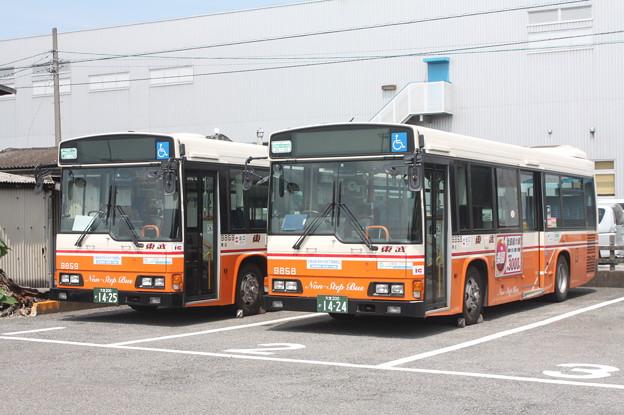 東武バス 9859号車・9858号車
