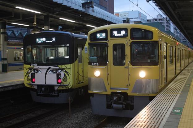 西武池袋線 20000系20058F・2000系2072F
