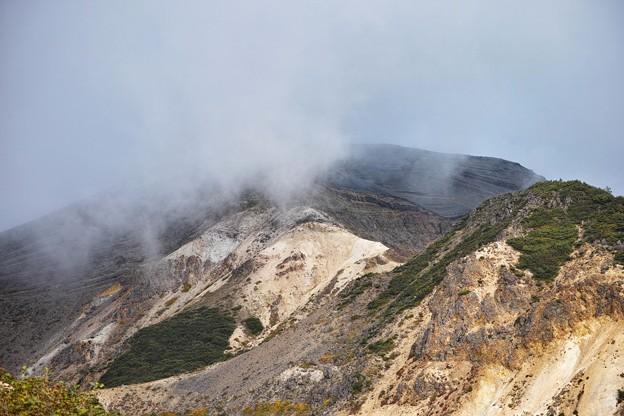 06. 08:21 霧に覆われた刈田岳