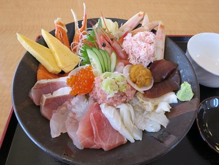 越後海鮮どん屋 海鮮丼 特上¥2592