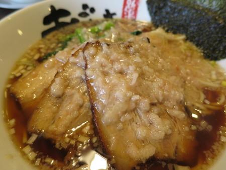 麺屋あごすけ 醤油背脂豚麺 アップ