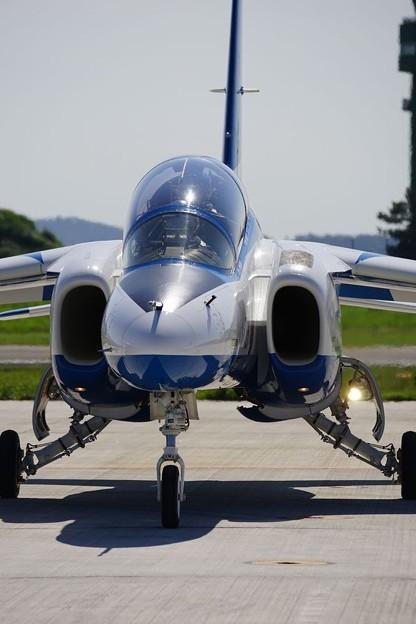 写真: T-4練習機