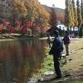 写真: 釣り人2人