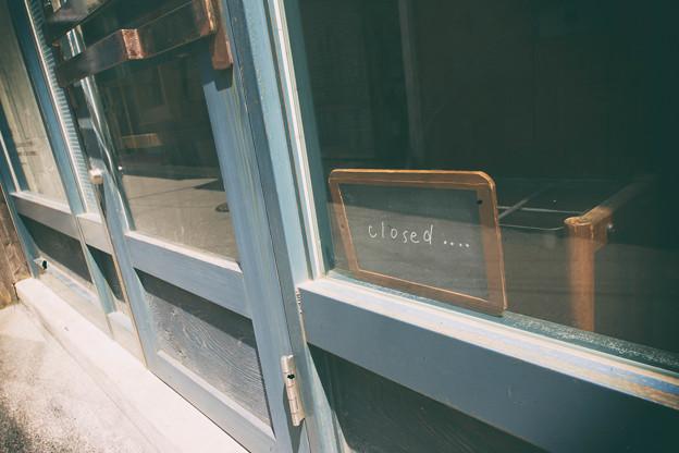 写真: 閉店ガラガラ