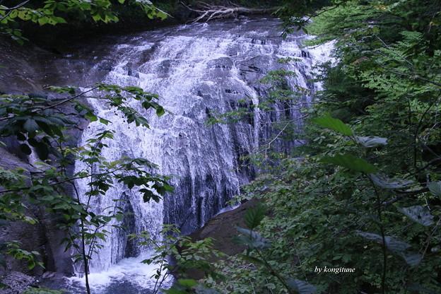 Photos: ニセコ・白扇の滝