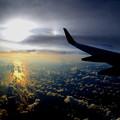 写真: 夕日は雲さんを虹色に染めるの^^