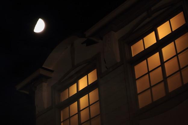 月明かり窓明かり