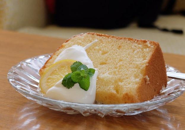 はちみつとレモンのシフォンケーキ