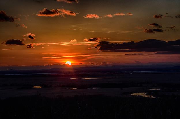 湿原と夕陽