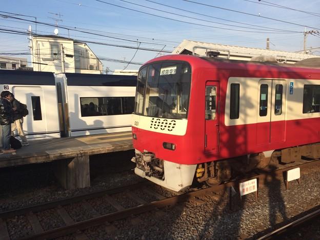 京急1000形1001F 1383H普通高砂行き(回送)