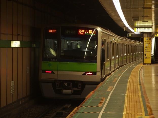 都営新宿線大島駅1番線 都営10-390F各停八幡山行き前方確認