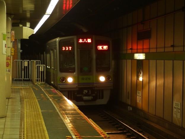 Photos: 都営新宿線篠崎駅2番線 都営10-270F各停本八幡行き進入