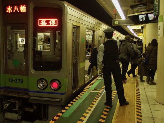 都営新宿線篠崎駅2番線 都営10-270F各停本八幡行き
