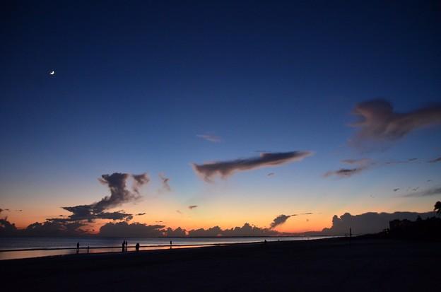 写真: The Blue Hour II 9-23-17