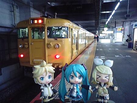 ■岡山  8:40 → 糸崎  10:04   433M 普通 リン:「鏡音色の電車キタ...