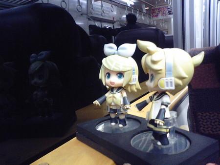 宗太郎駅に停車。 リン:「宗太郎きゅんのふるさとー……だけど、も...