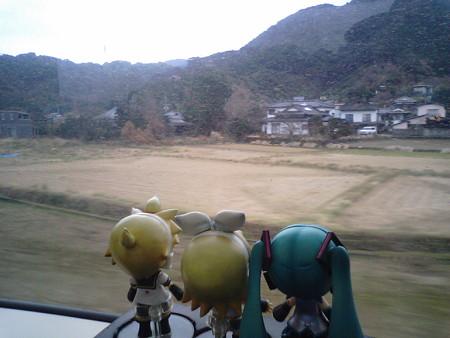 海浦→肥後田浦間。 レン:「……田舎の風景だよなぁ♪」