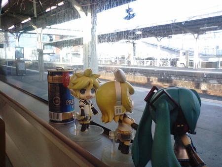 玉名駅に停車。レンきゅんやっと起動すた。 レン:「おはよーw」